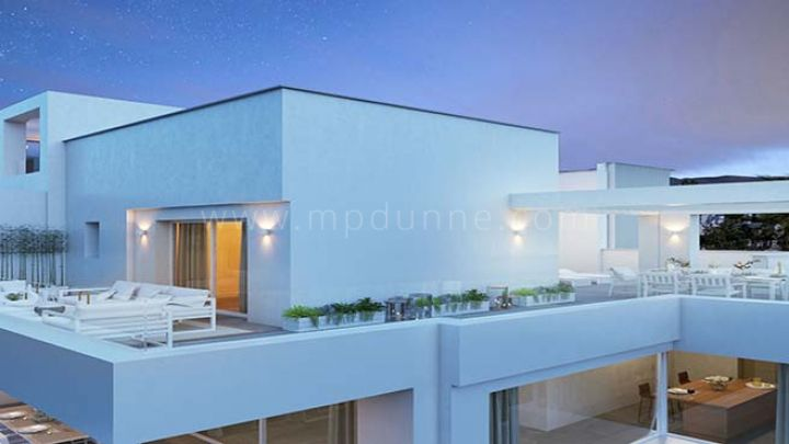 New contemporary style apartment for sale in La Quinta Golf, Benahavis