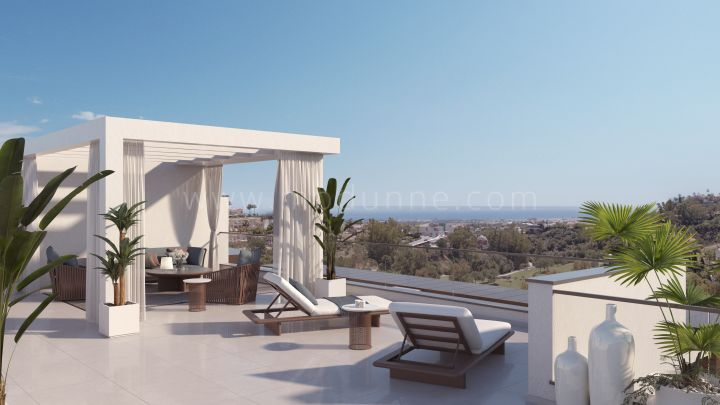 Benahavis, New modern penthouse with sea views in Benahavis