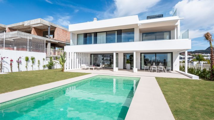 Estepona, Moderne Familienvillen in New Golden Mile, Estepona