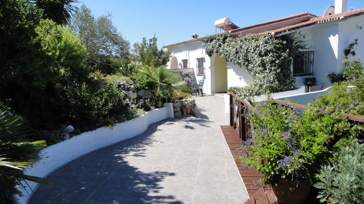 Istan, Charming villa for sale in Istan