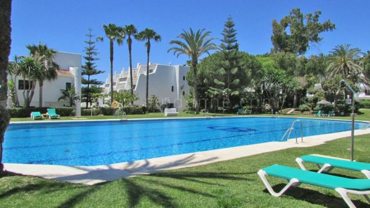 Marbella Golden Mile, Beachfront apartment with private garden at Coral Beach