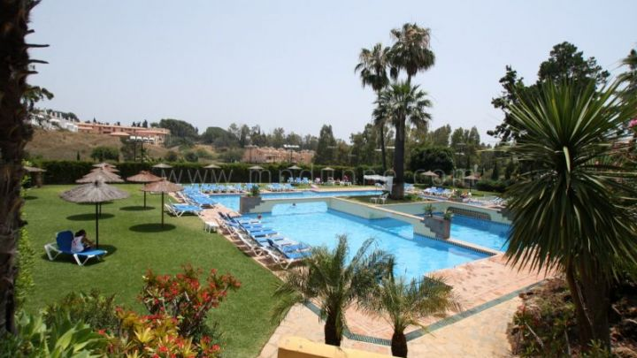 Marbella Golden Mile, Duplex penthouse apartment for sale in Señorio de Marbella