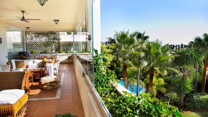 Marbella Golden Mile, South facing Apartment with Sea Views in Marbella Golden Mile