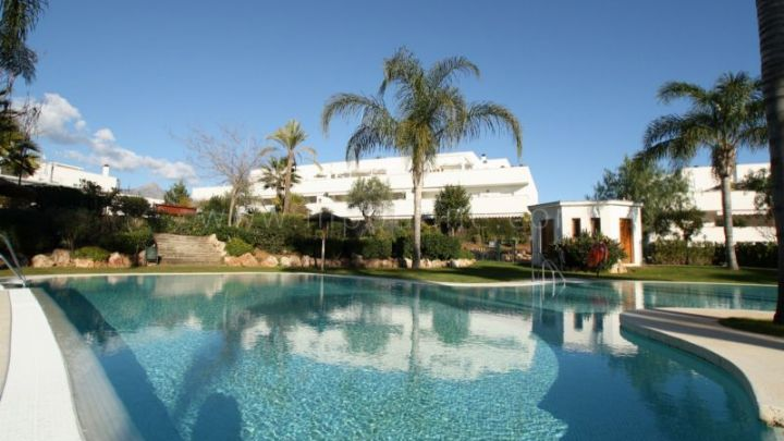 Nueva Andalucia, Two bedroom apartment for sale in Terrazas del Rodeo, Marbella