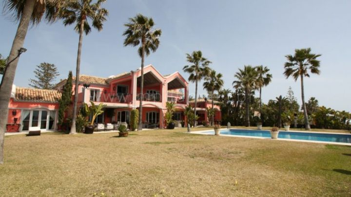 San Pedro de Alcantara, Frontline beach detached villa in Casasola, Guadalmina Baja.