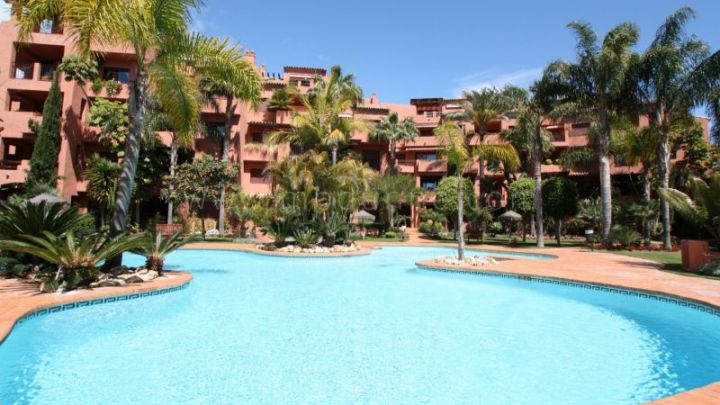 Marbella East, 2 bedroom apartment for sale in Alicate Playa