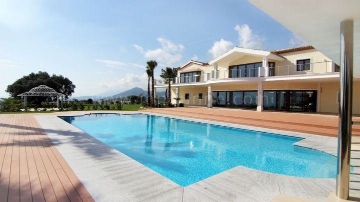 Benahavis, Luxury 8 bedroom villa for sale in el Madroñal, Benahavis