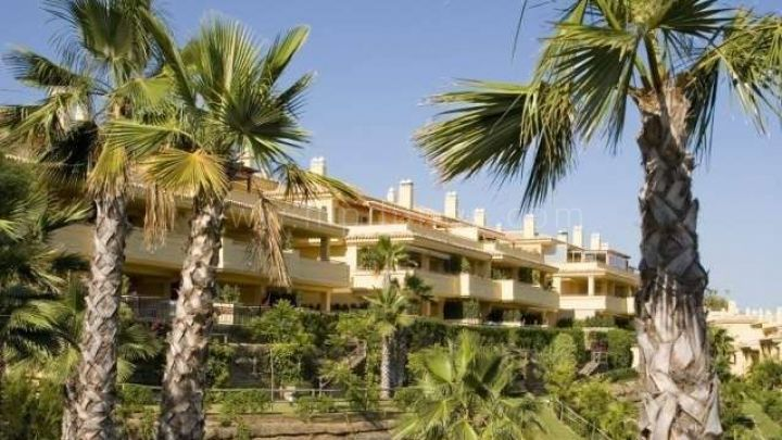 Marbella Golden Mile, Groundfloor apartment for sale in Condado de Sierra Blanca