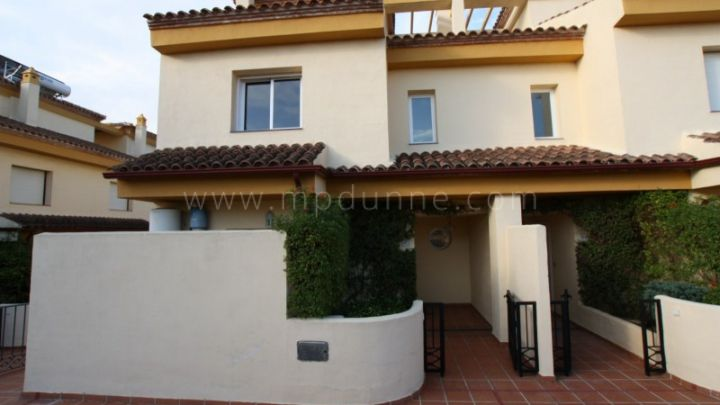 Marbella Golden Mile, Three bedroom townhouse for sale in Nagüeles
