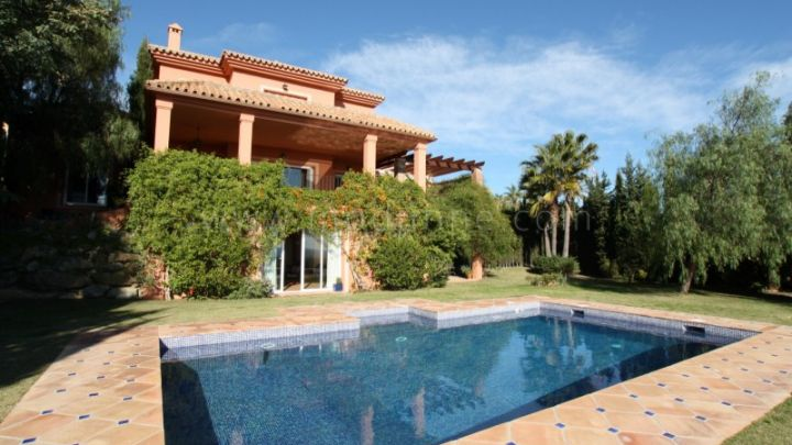 Benahavis, 3 bedroom Villa for sale in Los Flamingos Golf