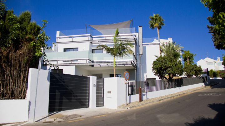 San Pedro de Alcantara, Beautiful modern villa in Guadalmina Alta