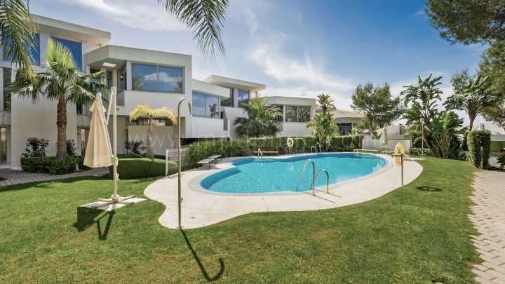 Marbella Golden Mile, Spectacular townhouse in Meisho Hills, Marbella