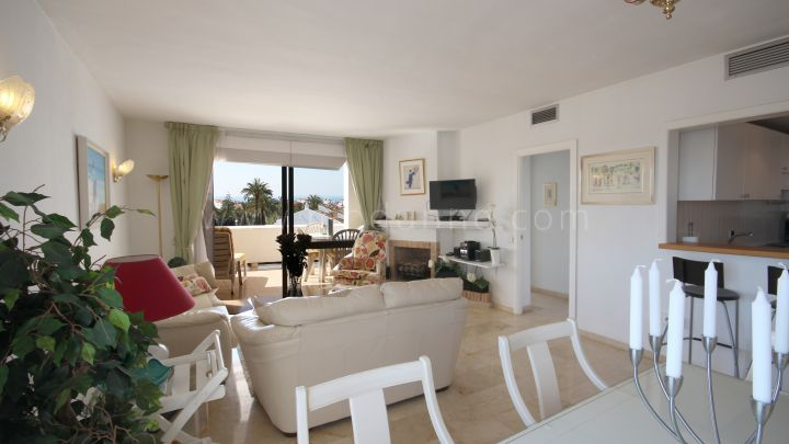 Nueva Andalucia, Marvellous two bedroom corner apartment in Urb. Malambo, Centro Plaza, Puerto Banus