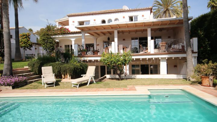 Nueva Andalucia, Family villa for short term rent in Marbella Country Club