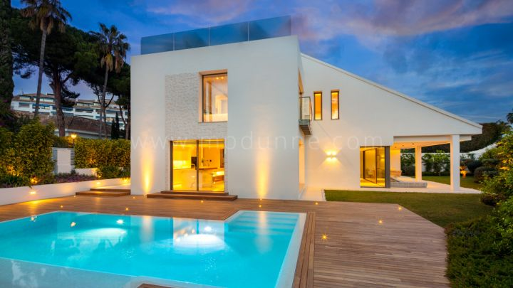 Marbella - Puerto Banus, Modern villa close to the beach in Puerto Banus