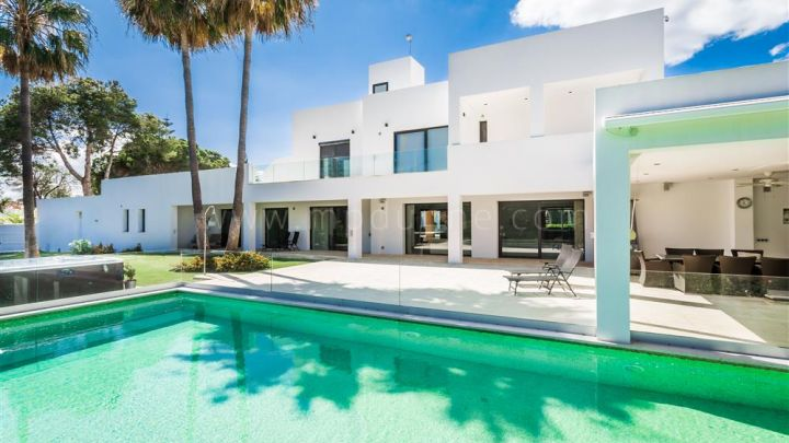 Estepona, Modern beautiful villa in Atalaya