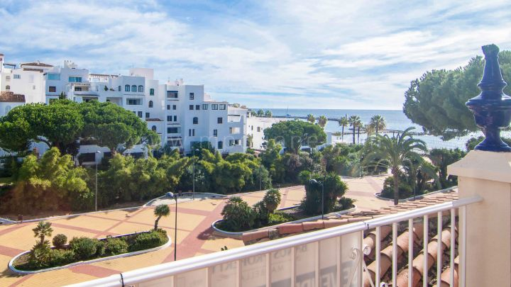 Marbella - Puerto Banus, Beautiful modern apartment in Puerto Banus