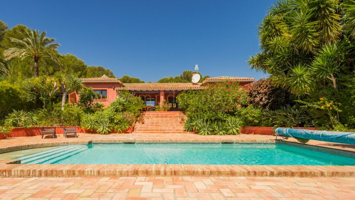 Benahavis, Country estate in the heart of town in Los Flamingos