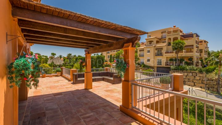 Benahavis, Magnificent Penthouse in Benatalaya Benahavis