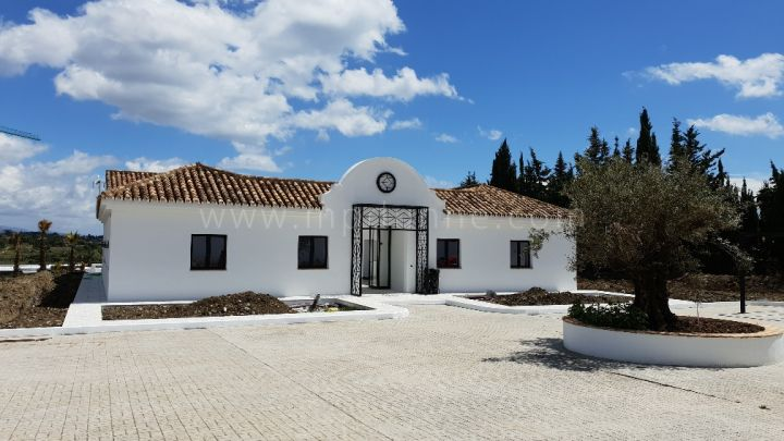Estepona, Cortijo close to the beach in New Golden Mile