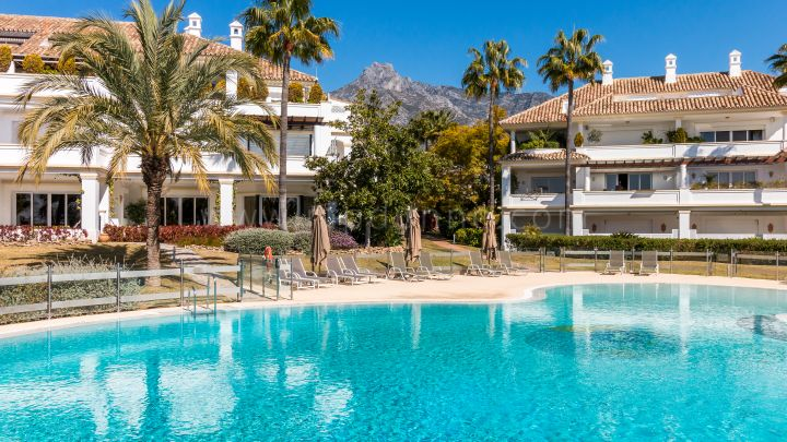 Marbella Golden Mile, Exclusive Three-bedroom apartment in Monte Paraiso, Marbella Golden Mile