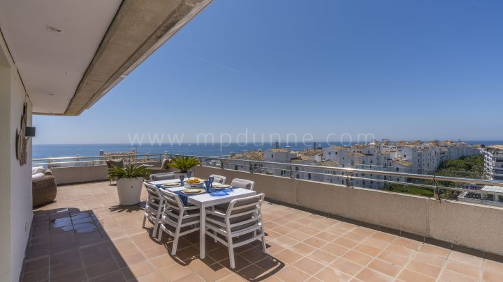 Marbella - Puerto Banus, Beachside Penthouse for rent in Marina Banus, Puerto Banús