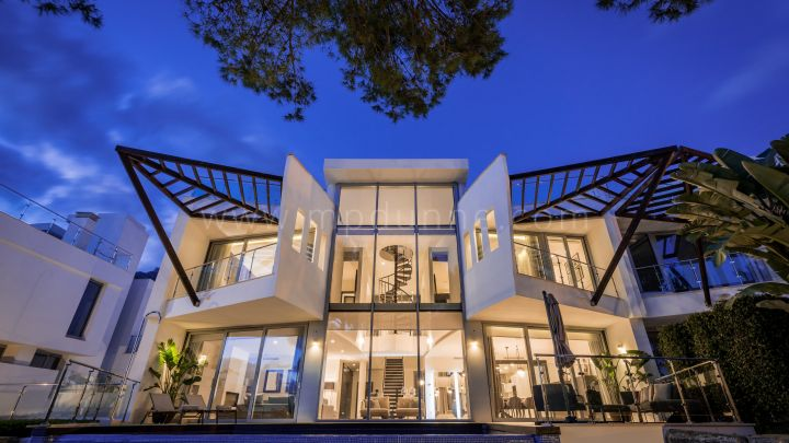 Marbella Golden Mile, Contemporary villa with panoramic sea views in Sierra Blanca