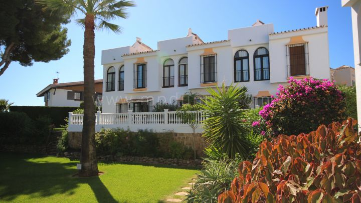 Mijas Costa, Two bedrooms townhouse in Calahonda, Mijas Costa.