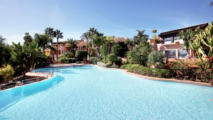 Marbella Golden Mile, Two bedrooms apartment in Mansion Club, Golden Mile