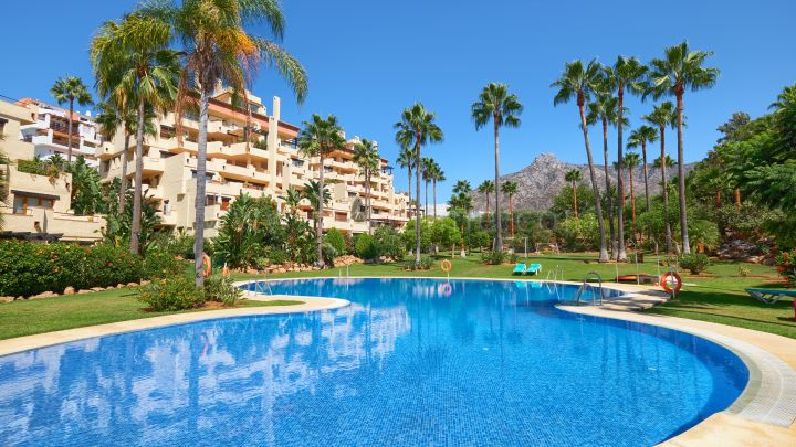 Marbella Golden Mile, Five Bedroom Duplex Penthouse in Lomas de Marbella Club, Marbella
