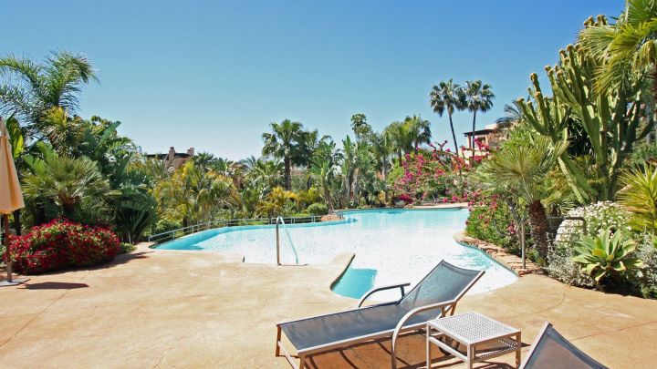 Marbella Golden Mile, Two-bedrooms apartment in Mansion Club, Sierra Blanca