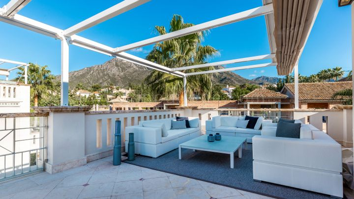 Marbella Golden Mile, Luxury corner townhouse in Marbella, Sierra Blanca