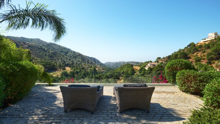 Benahavis, Contemporary Four Bedroom Villa in Monte Mayor with Stunning Views
