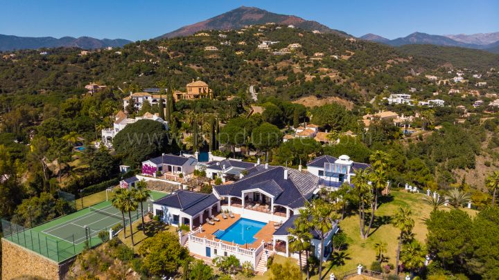 Benahavis, Stunning views and privacy from this one level villa in El Madrioñal Gate 1