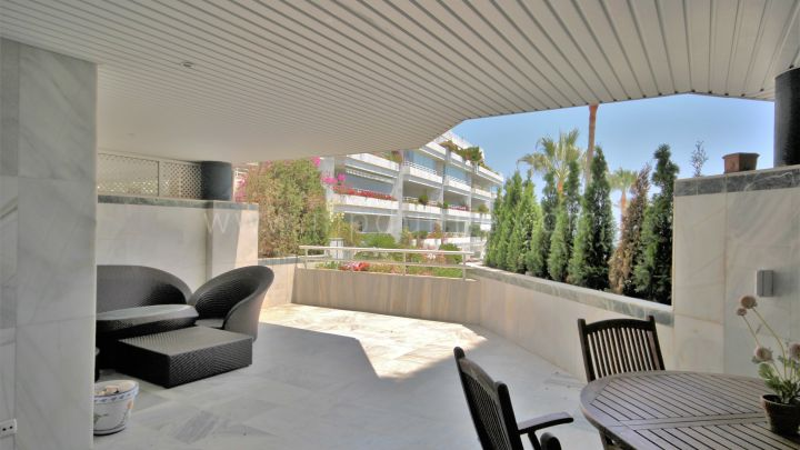 Fronline beach ground floor apartment in Playa Esmeralda