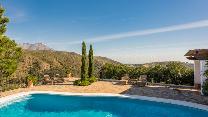Andalusian Cortijo Style property amongst the stunning countryside of El Madroñal