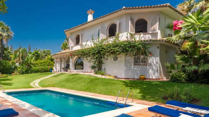 Marbella Golden Mile, Very spacious detached villa in Marbella Golden Mile