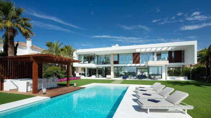 Nueva Andalucia, New Contemporary Villa in Nueva Andalucia with Sea views
