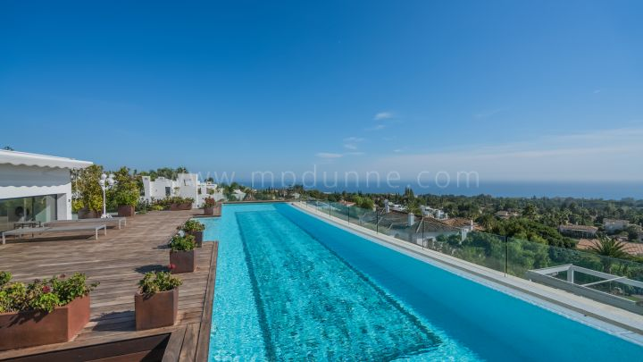 Marbella Golden Mile, Duplex penthouse with private pool in Sierra Blanca, Marbella