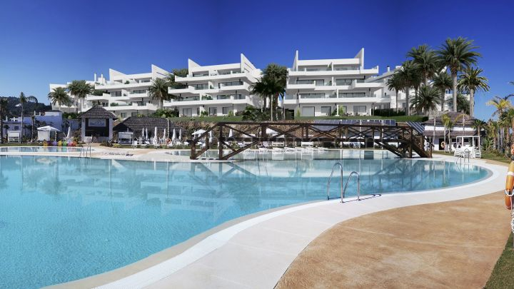 Estepona, Off plan development with panoramic views in Estepona