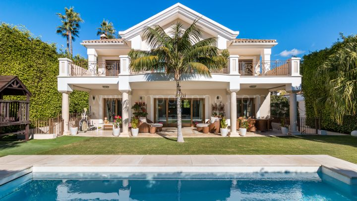 Marbella Golden Mile, Beachside Marbella Golden Mile Villa