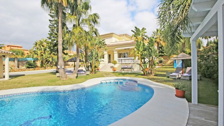 Estepona, Villa in new Golden Mile, Estepona
