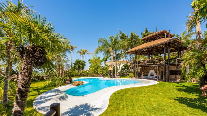 Marbella Golden Mile, Villa for sale in Sierra Blanca with panoramic views, Marbella