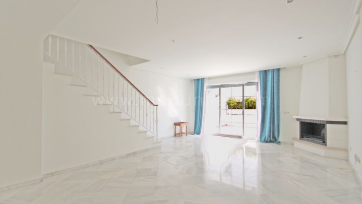 Marbella Golden Mile, Family Townhouse close to the Puente Romano Marbella Golden Mile