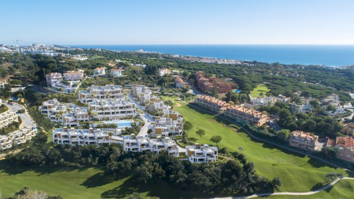 Marbella East, Modern development frontline golf in Cabopino