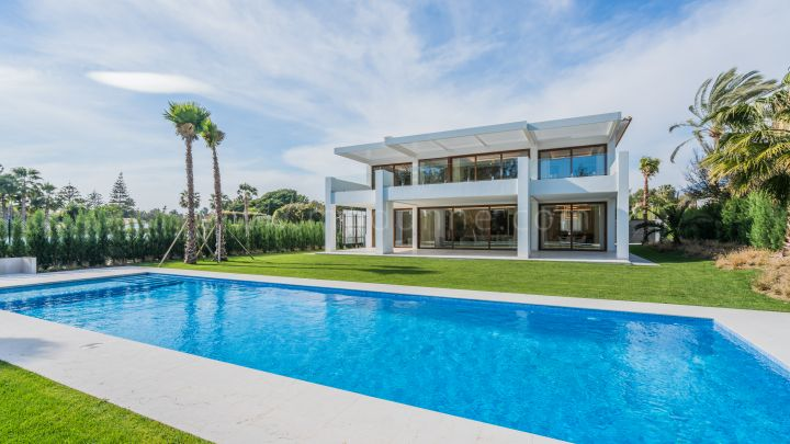 San Pedro de Alcantara, New Built Contemporary Villa in Guadalmina Baja Marbella