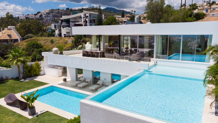 Benahavis, Contemporary New build Villa in La Quinta Marbella