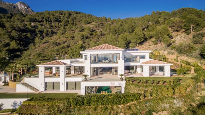 Marbella Golden Mile, Villa for sale in Cascada de Camoján, Marbella