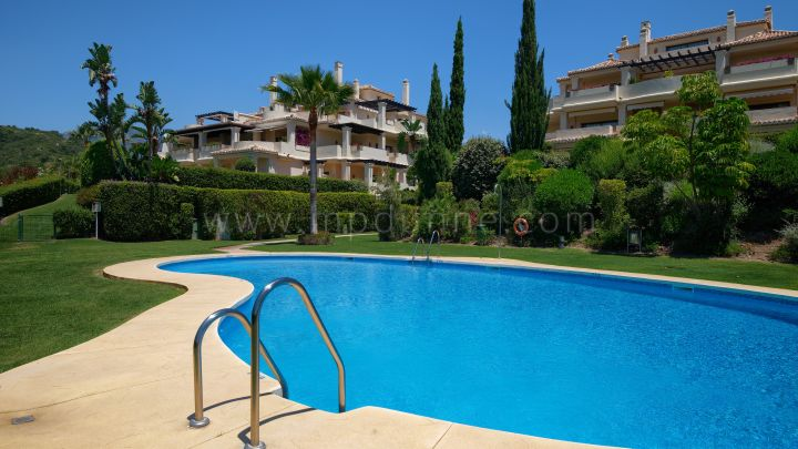 Benahavis, Duplex Penthouse in Capenes del Golf