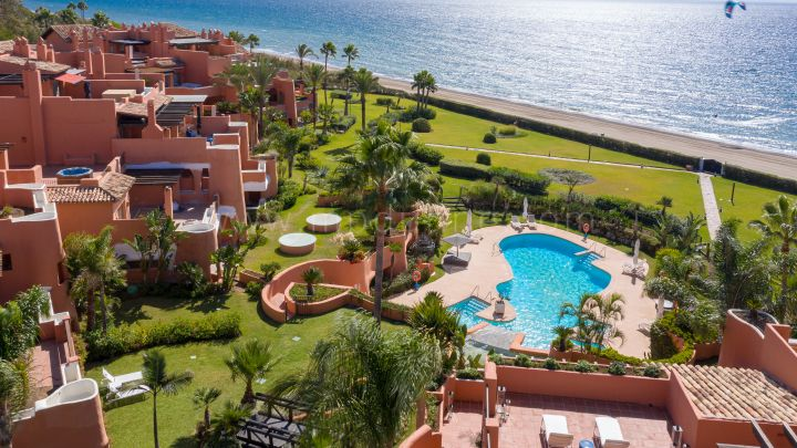 Marbella East, La Morera Playa - Duplex Penthouse Apartment Front Line Beach